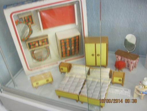 Orange Badezimmer Tina Hergestellt 1983   1990 Ahornholz, Mitte Badezimmer  Ambiente Hergestellt 1990   1994, Badezimmer Bambino Hergestellt 1991    Heute ...