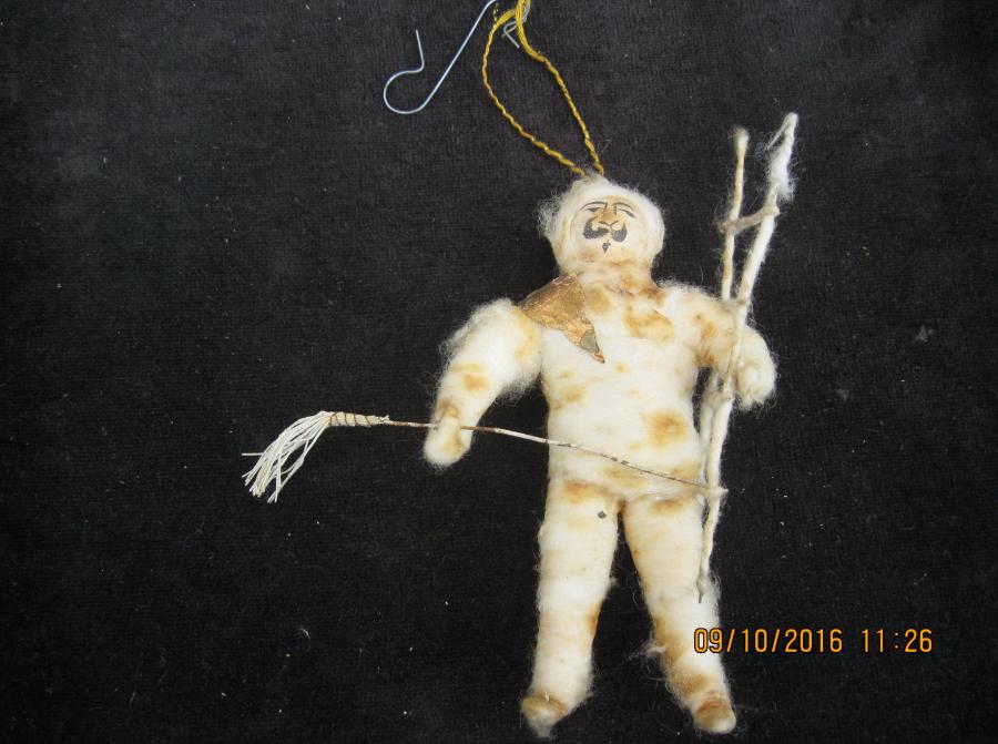 Spielzeugausstellung - Antiker Chistbaumschmuck Watte